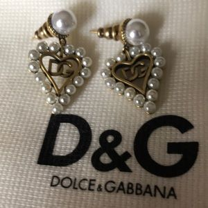 Dolce & gabbana Perl's earrings authentic 100%